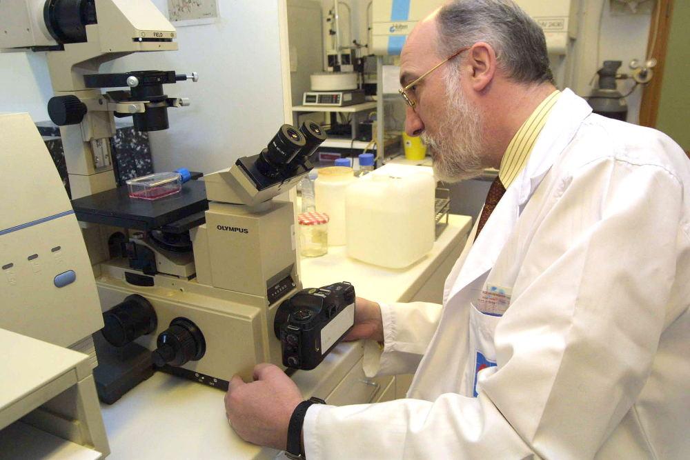 Actividad profesional Doctor Cacabelos